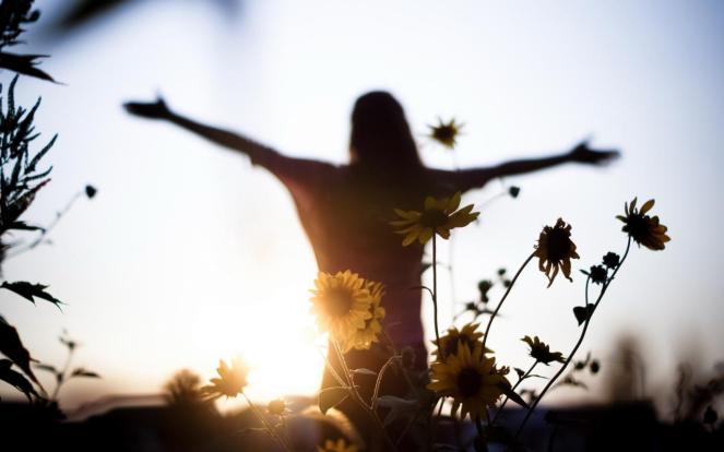 flowers_light_girl_mood_freedom_1280x800_hd-wallpaper-417525