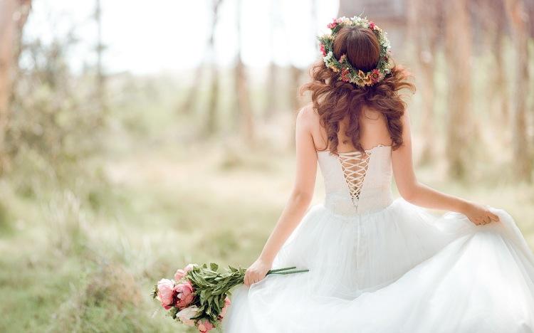 Beautiful Bride Wide Desktop Background